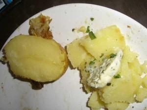Grillkartoffel mit Kräuterbutter