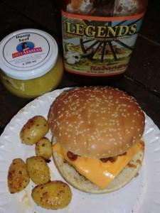 Fertiger Hamburger mit Beilagen