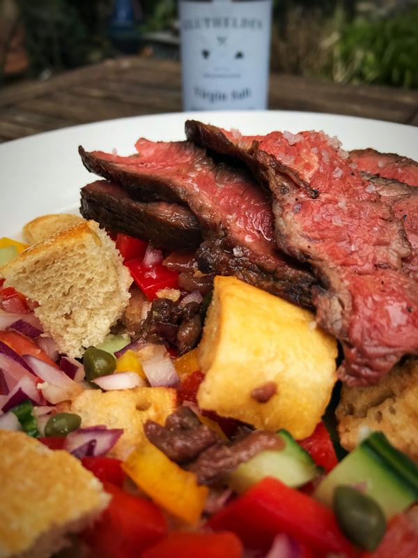 Flat Iron Steak mit Brotsalat