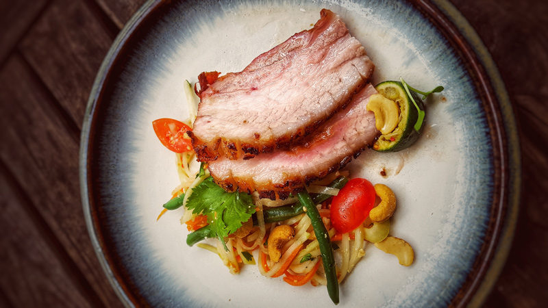 Pork Belly mit Thai Kohlrabi-Salat